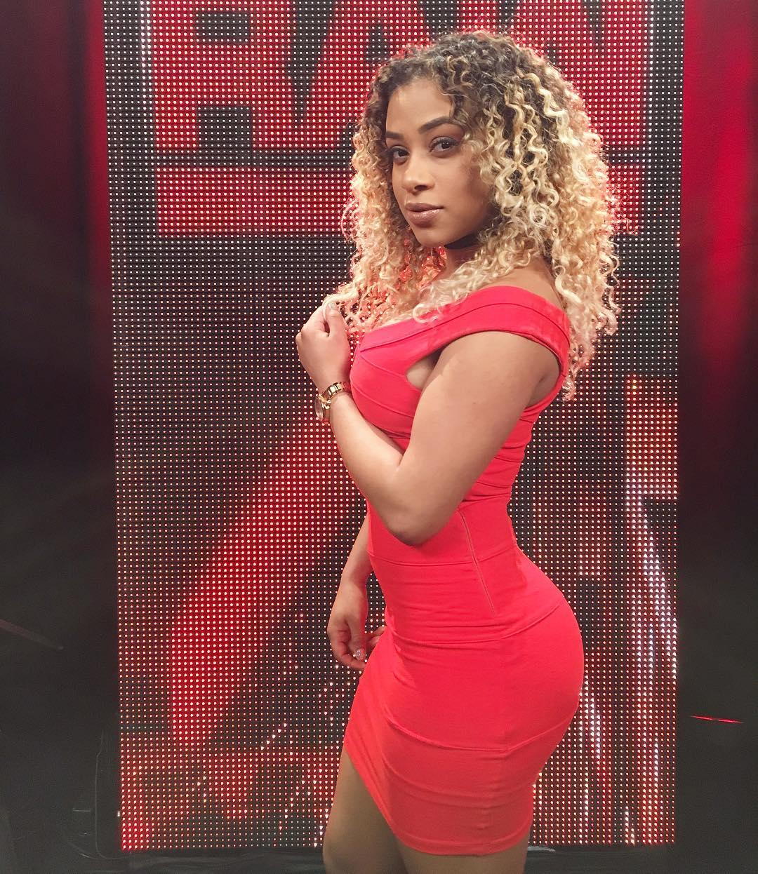 WWE JoJo Nudes Leak