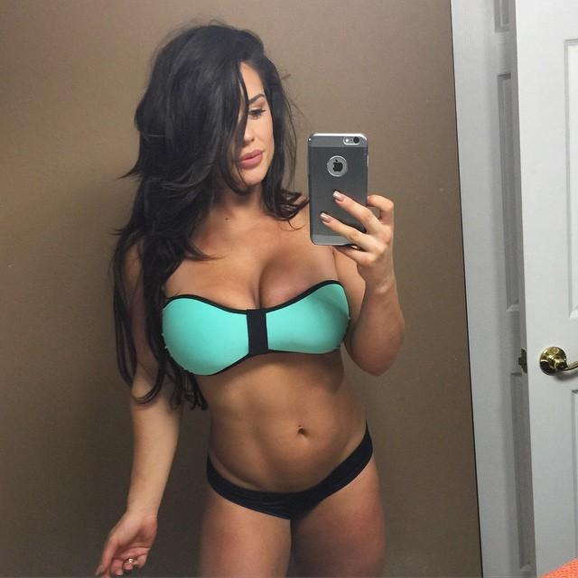 WWE Kaitlyn Nude Leak