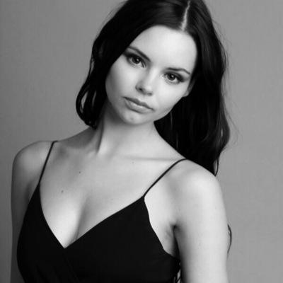 Eline Powell Topless in Game of Thrones   NSFW Celebs